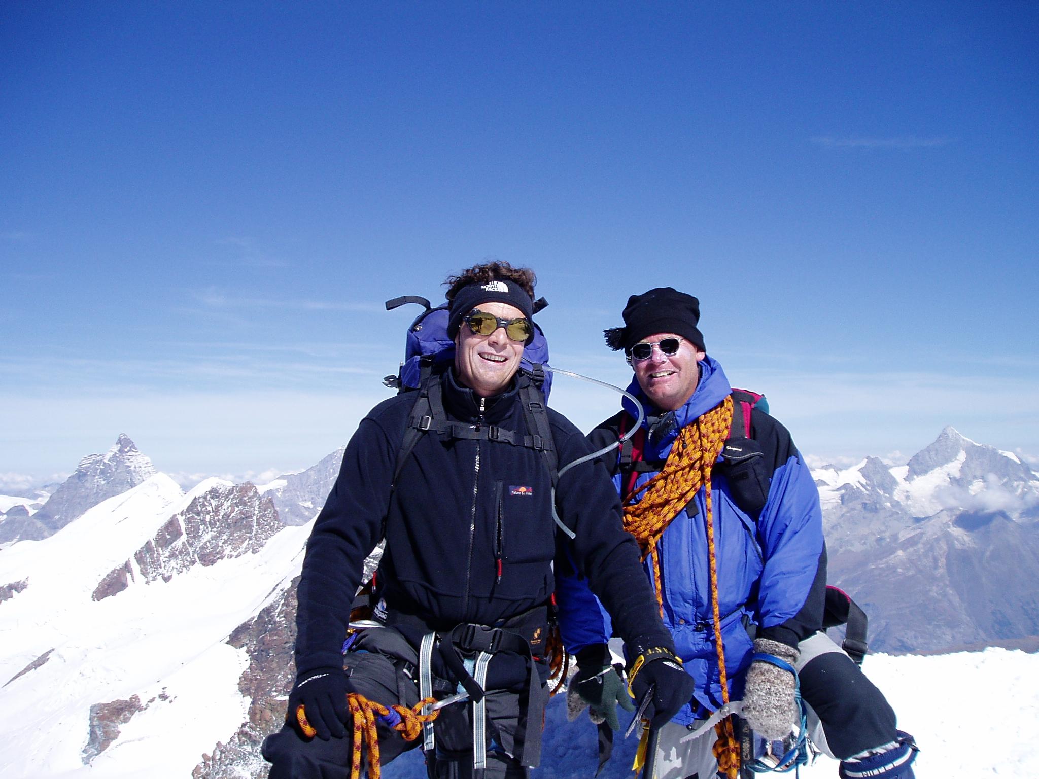 Kees en Maarten op de top van de Castor
