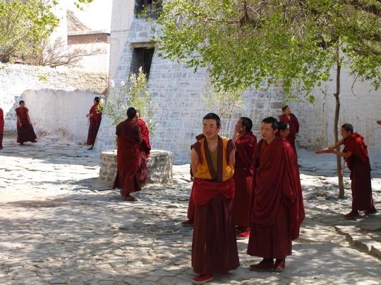 Debatterende monniken in het Tashilunpo klooster