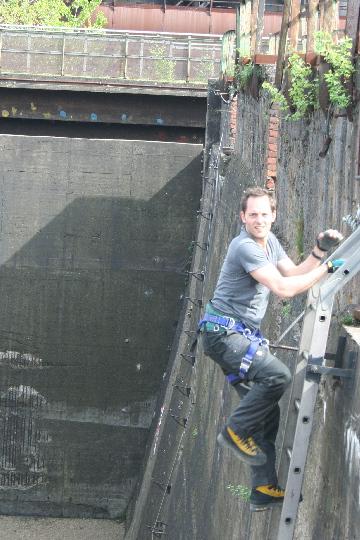 Hugo op de klettersteig