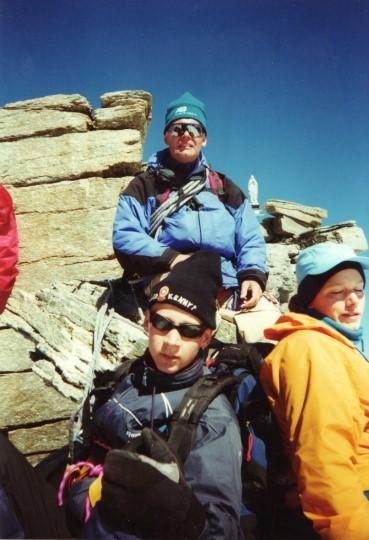 Maarten, Ewout en Marieke op de top van de Gran Paradiso (4061 meter) (2000)