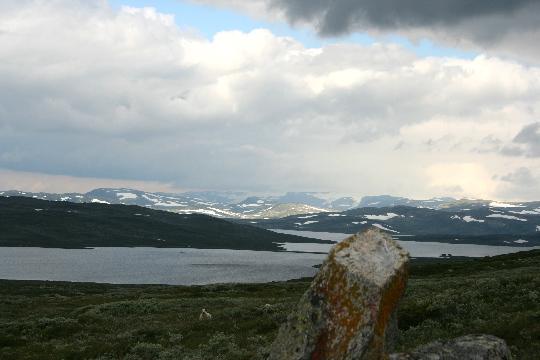 Meren en sneeuw op de Hardangervidda