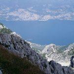 Zicht op het meer van de Monte Baldo