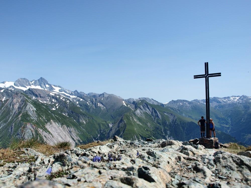 Samen op de top van de Blauspitze. Ook hier weer heel mooi zicht op de Glockner.