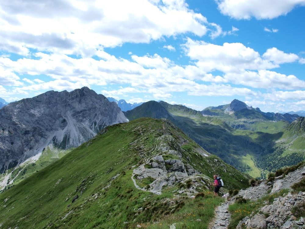 Afien op de route over de kam van de Karnische alpen op weg naar de Porzehütte