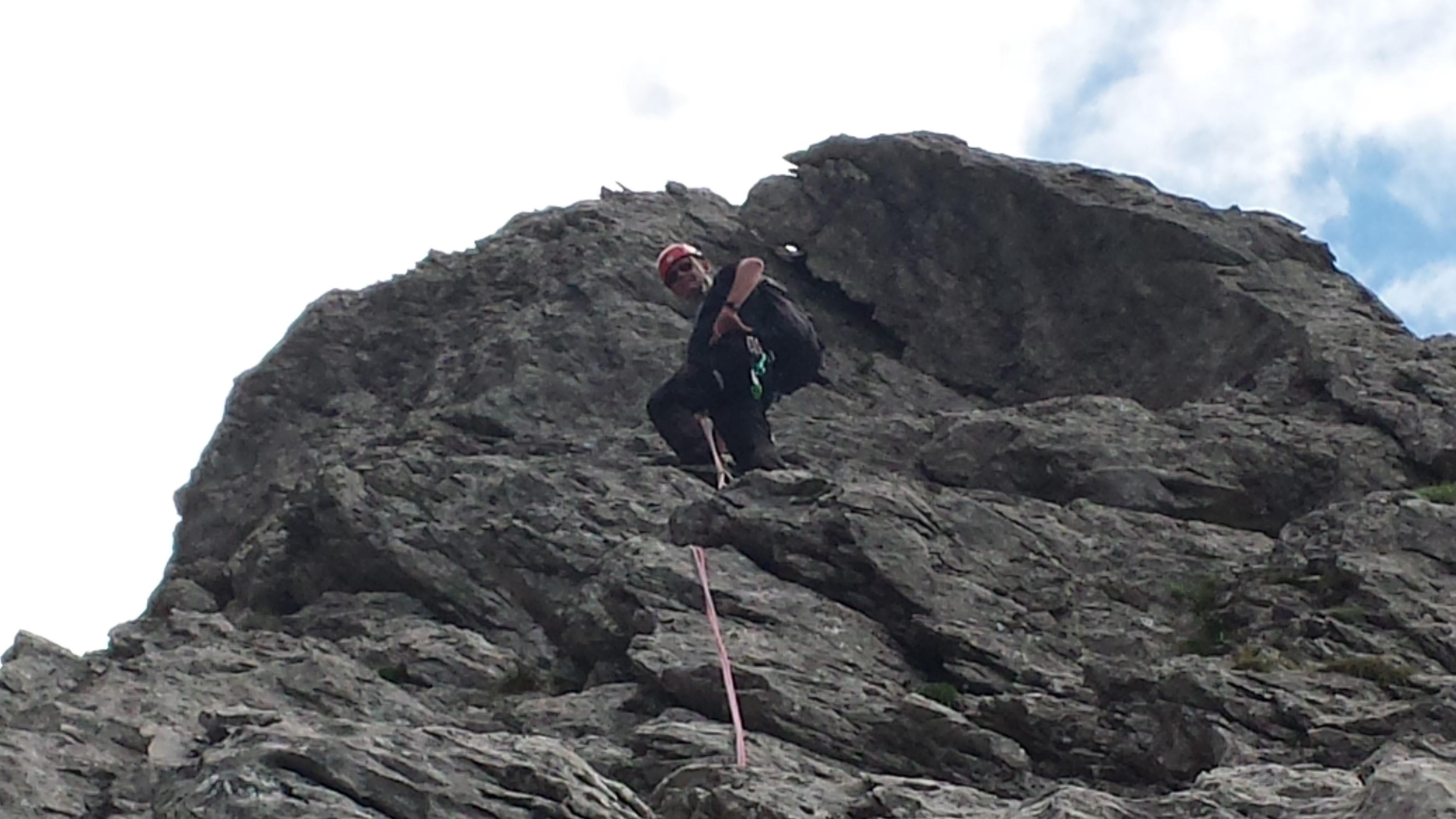 Maarten klimt voor op de Bügeleisenkante