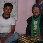 Lakpa met zijn moeder